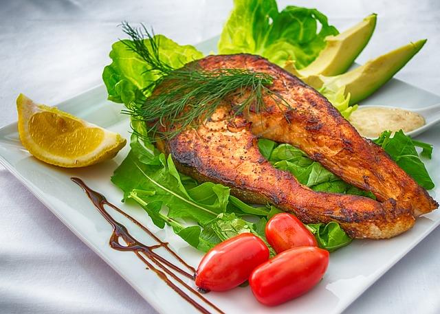 Trancio di salmone, piatto consigliato da assaggiare durante una vacanza a Dublino